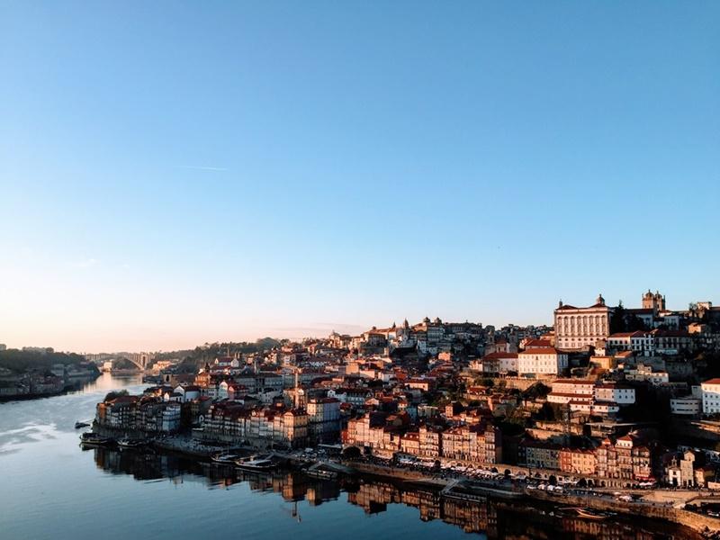 "Covid-19 pelo mundo: ""planeta vai mudar"", diz moradora do Porto | Carlos Machado on Unsplash"