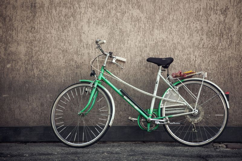 ONG recolhe bicicletas abandonadas para incentivar projetos sociais