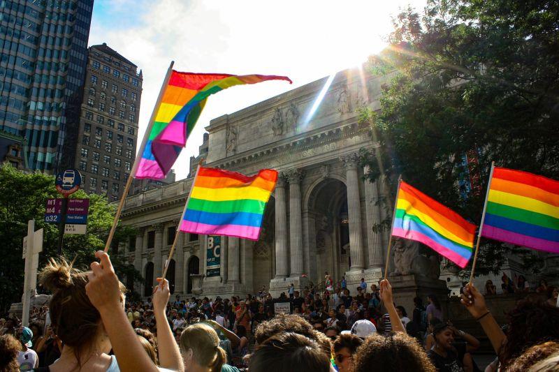 7 livros poderosos para a luta contra a LGBTfobia